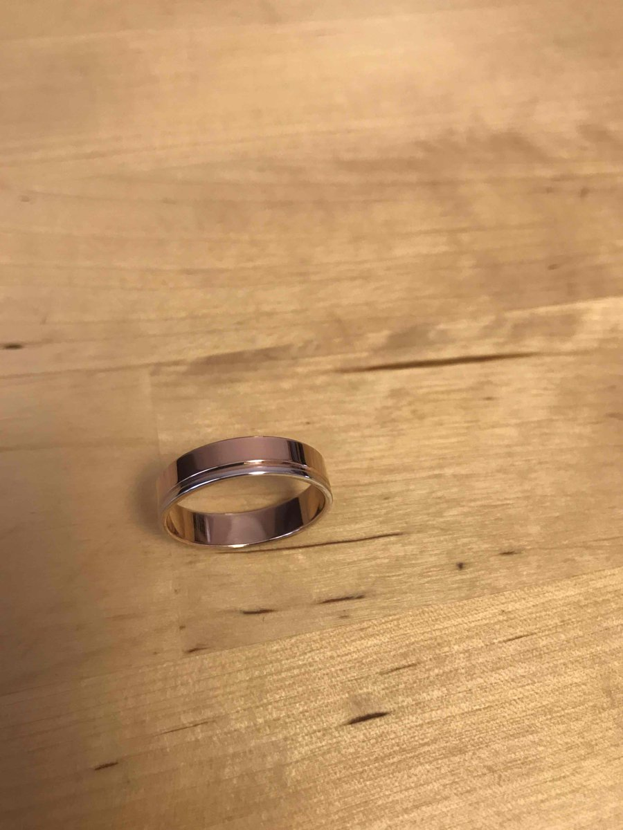 Солидное обручальное кольцо