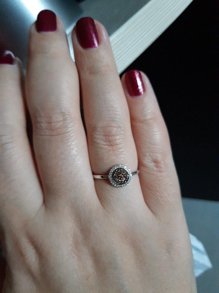 Кольцо с россыпью коньячных бриллиантов