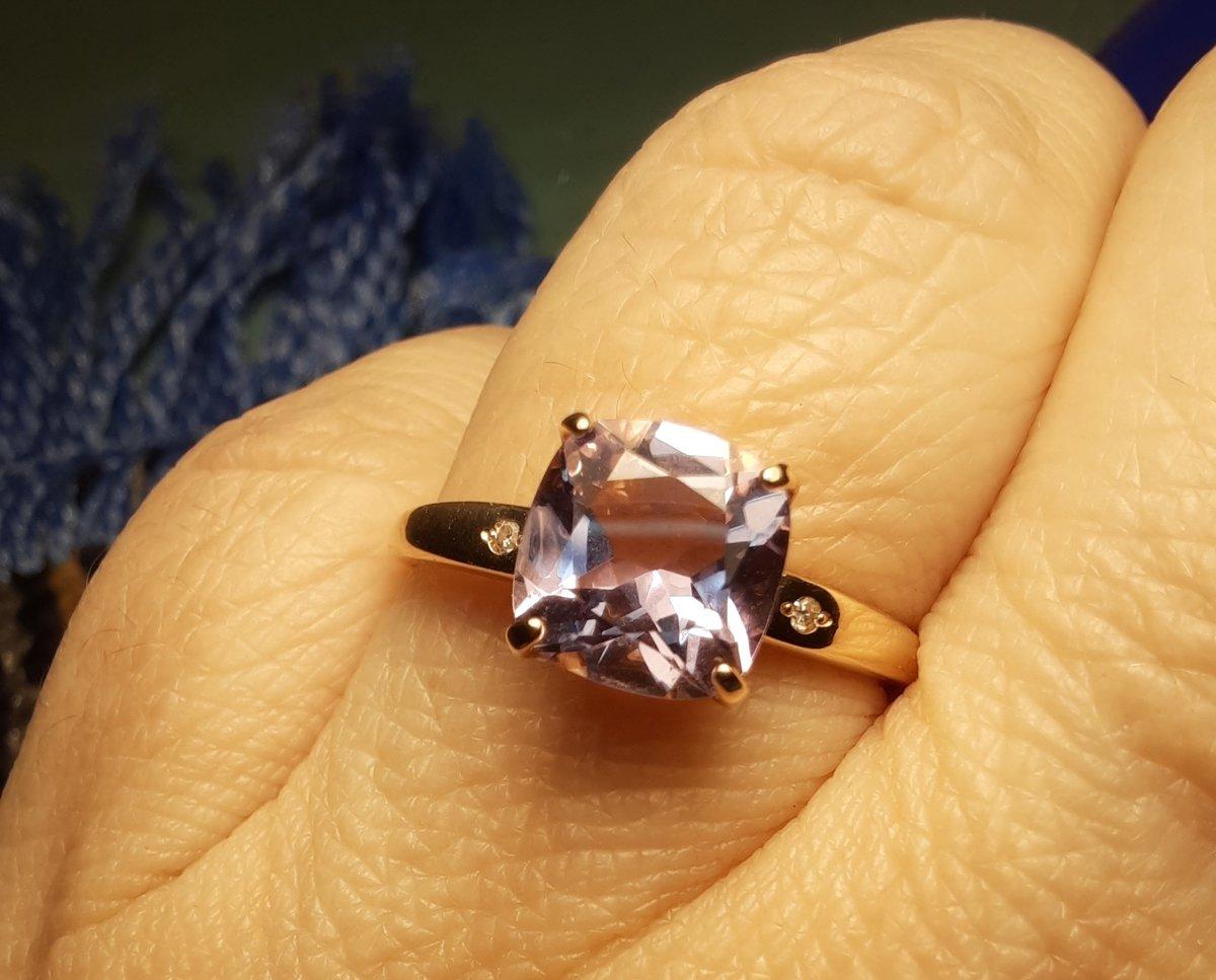Золотое колечко с аметистом и бриллиантами