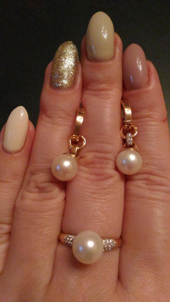 Золотое кольцо с жемчужиной