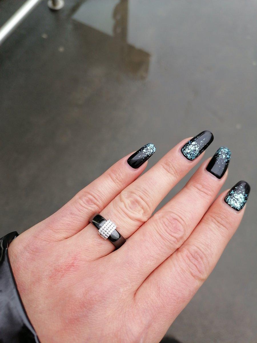 Купила кольцо спонтанно, не пожалела ни разу, очень удобное, красивое. реко