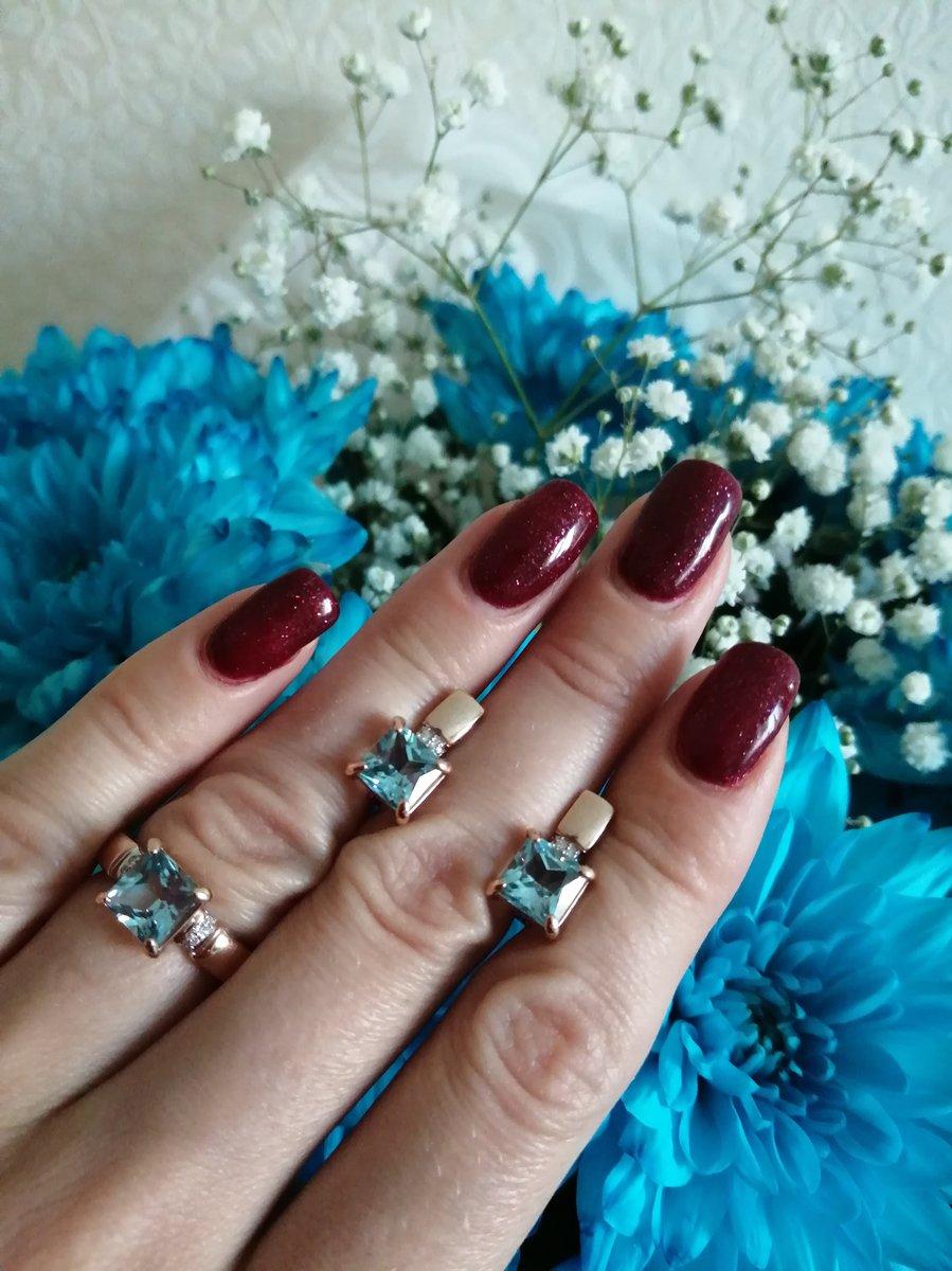 Серьги с топазами и бриллиантами