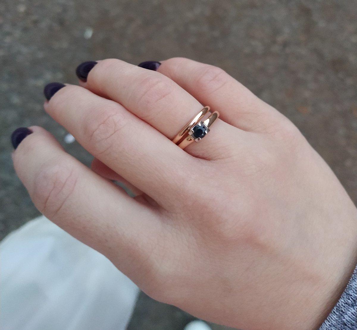 """Выбирала себе """"помолвочное кольцо"""""""