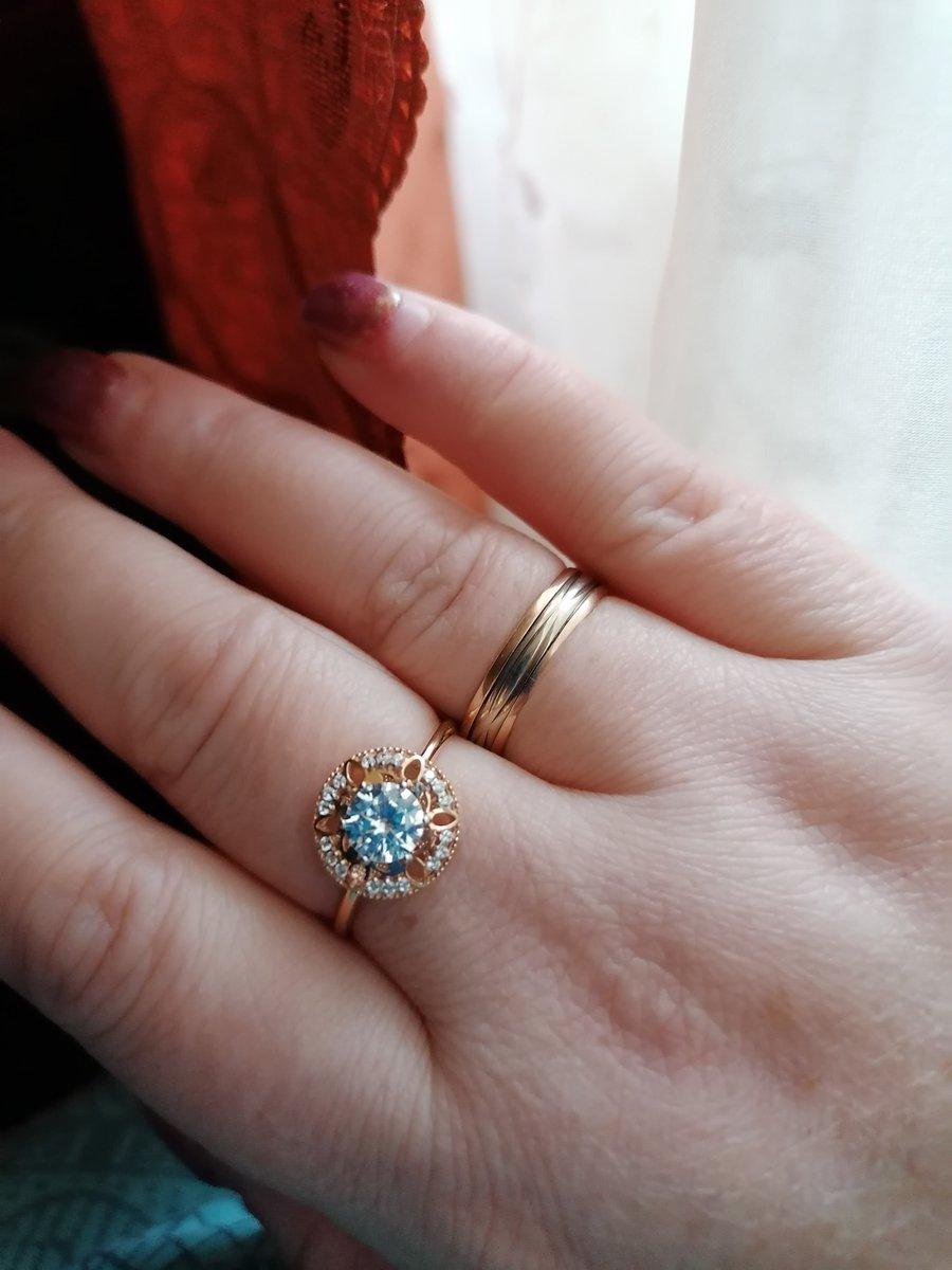 Кольцо золотое !