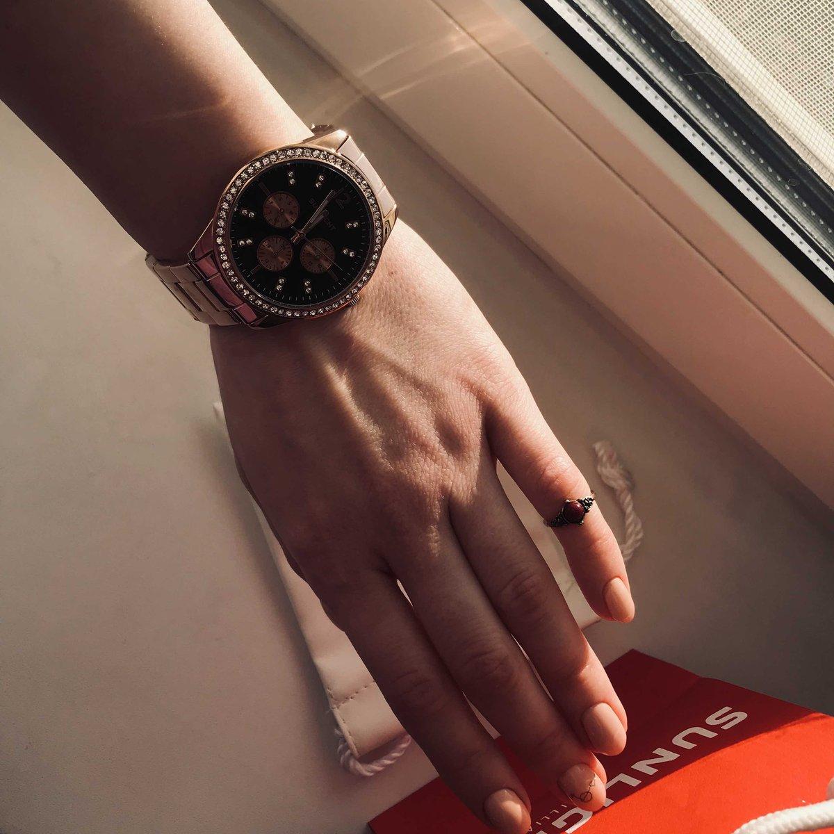 Идеальные стильные часы