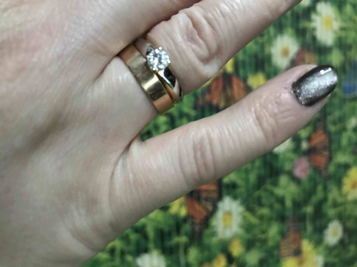 Кольцо с камушком фианит