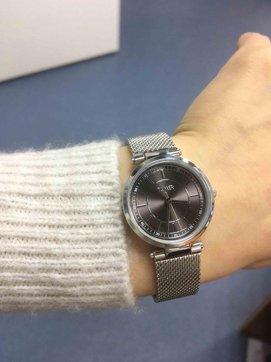 Часы очень красивые и стильные