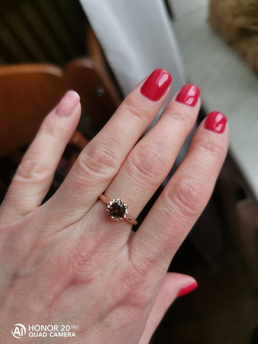 Очень красивое кольцо.пришла за кольцом с аметистом,но увидела это.супер.