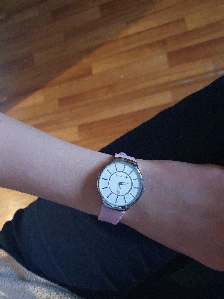 Часы супер!) цвет приятный
