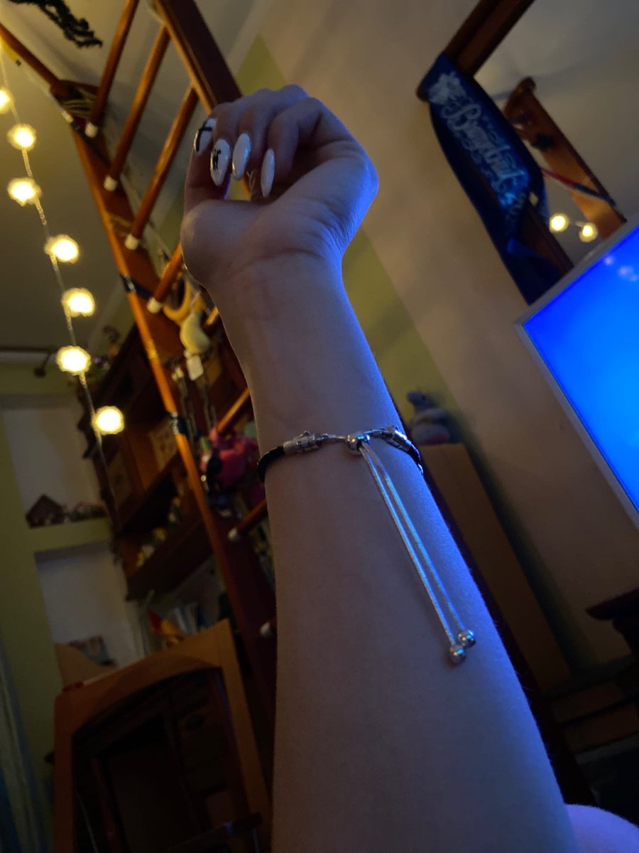 Отличный стильный браслет
