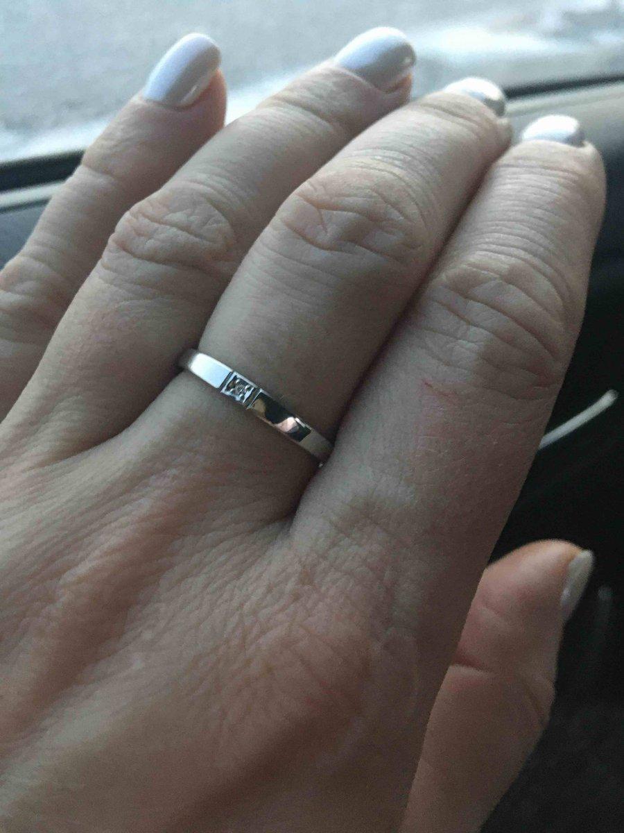 Кольцо с бриллиантиком 💍