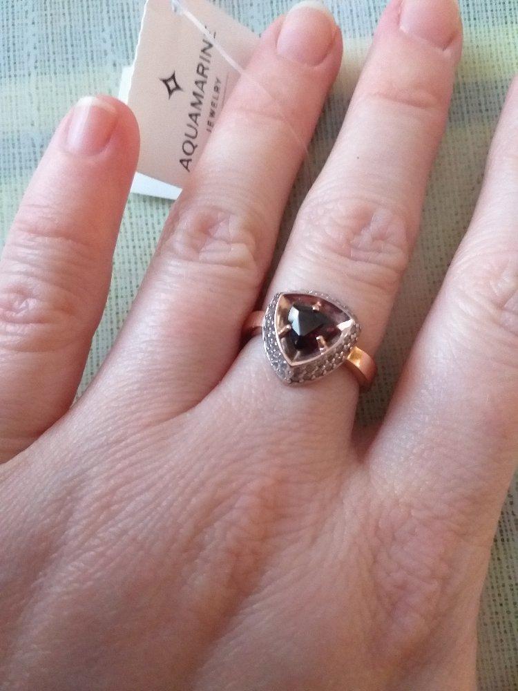 Серебрянное кольцо с фианитом и гранатом