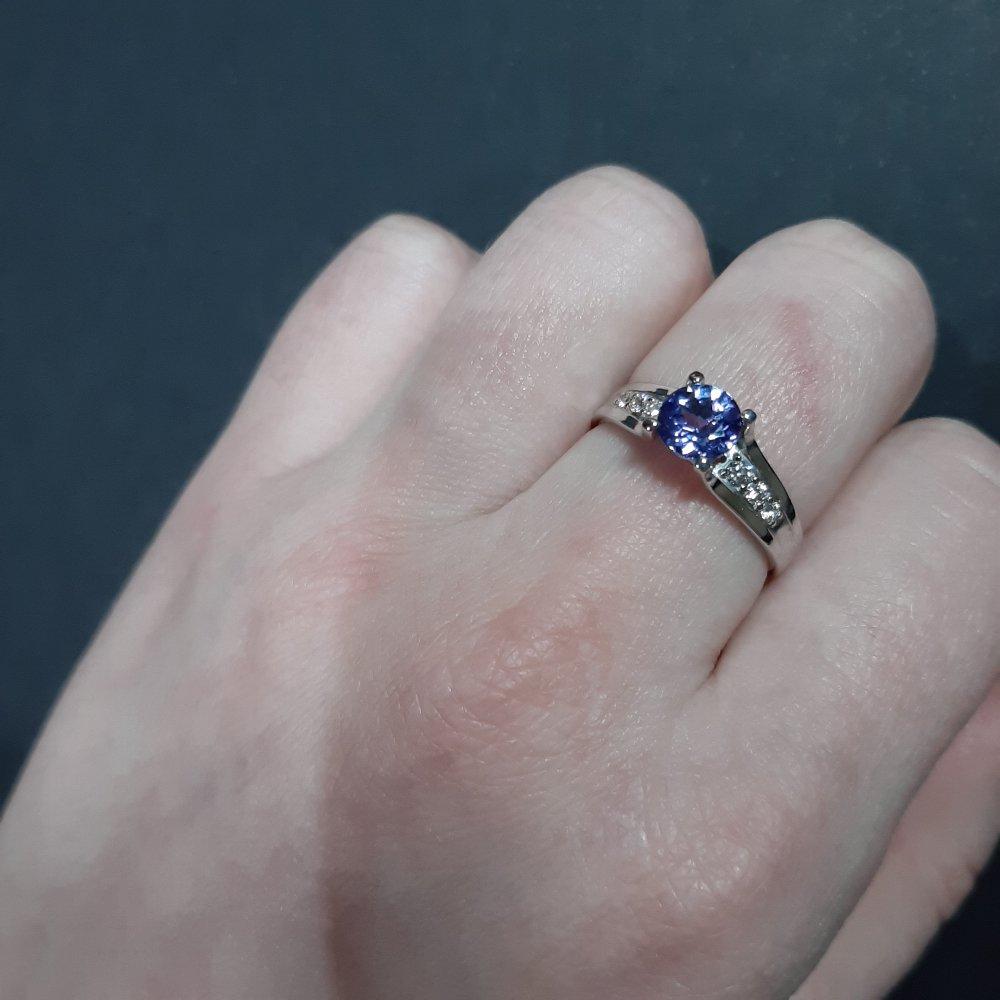 Мой первый танзанит в белом золоте с бриллиантами