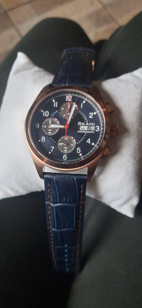 Выбирала мужу на день рождения,он очень любит часы.он был в восторге))