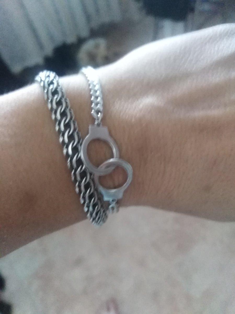 Браслет-наручники из серебра.