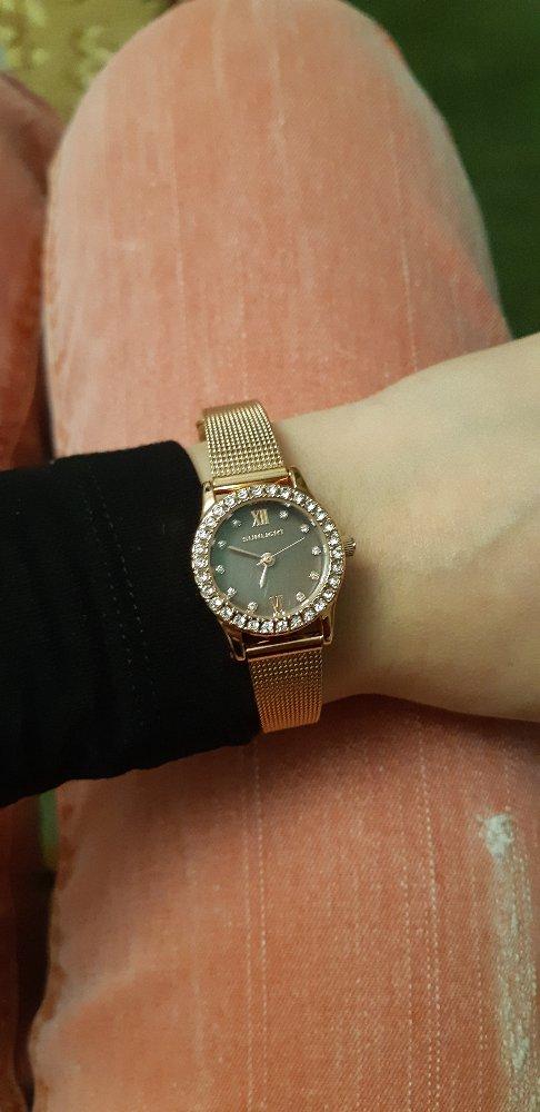 Часы очень красивые и красиво смотрятся на руках
