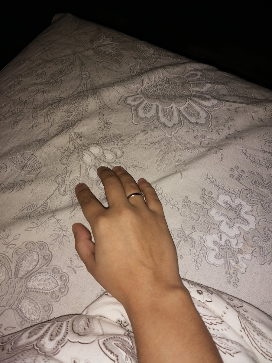 Кольцо, очень удобное, лёгкое)насить его одно удовольствие 🤗