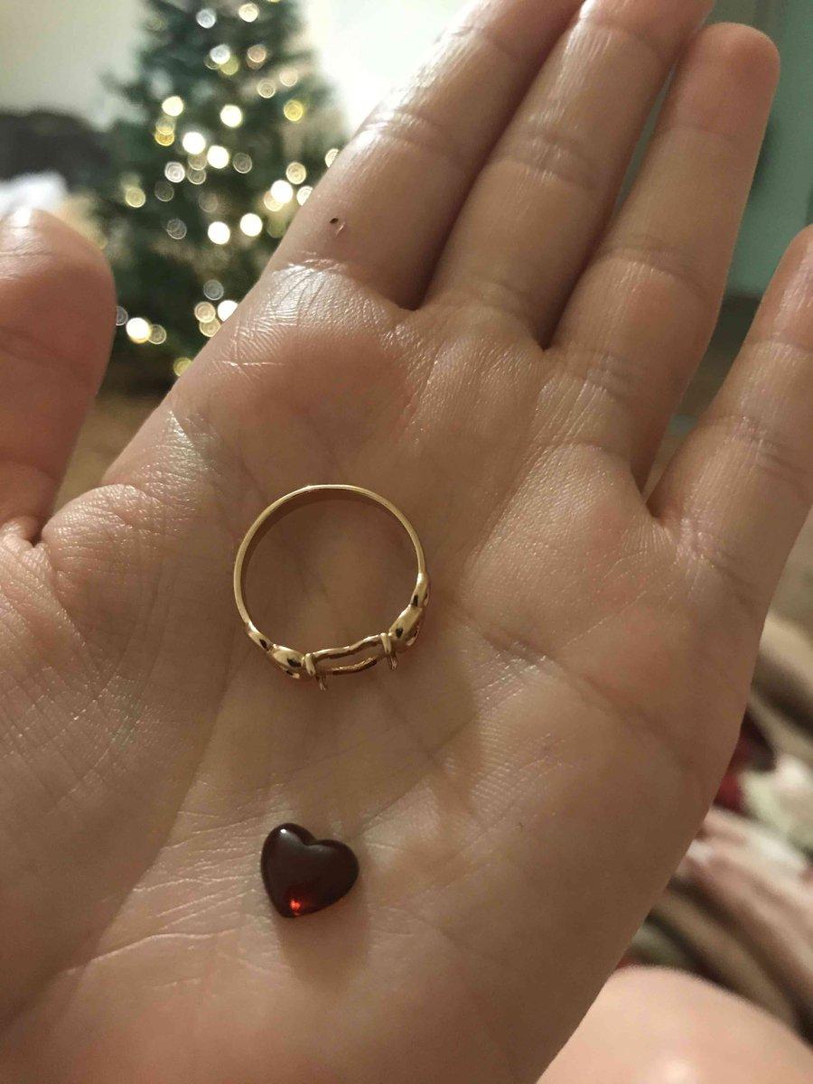 Кольцо красивое, но камень выпал в первый же день!