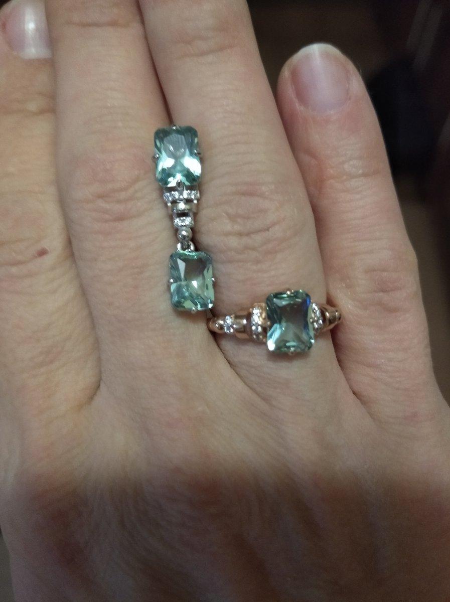 Шикарное кольцо хамелеон.
