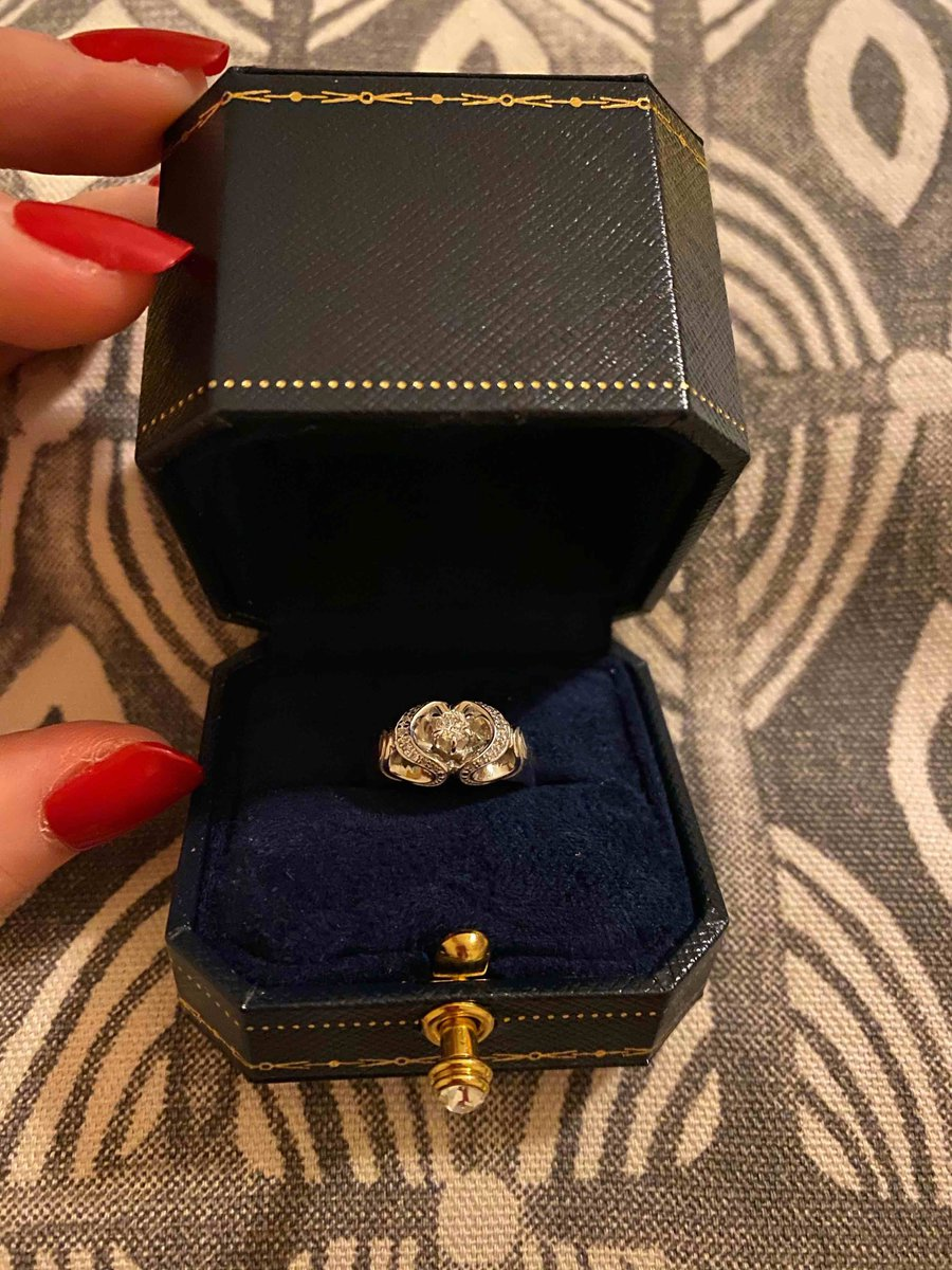 Кольцо с бриллиантом!!!!