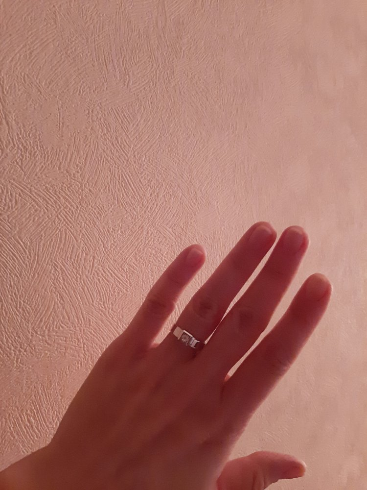Кольцо серебряное с бриллиантом
