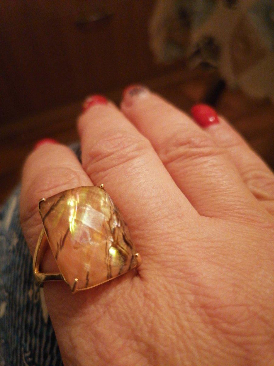 Отличное кольцо. выглядит достойно. рекомендую