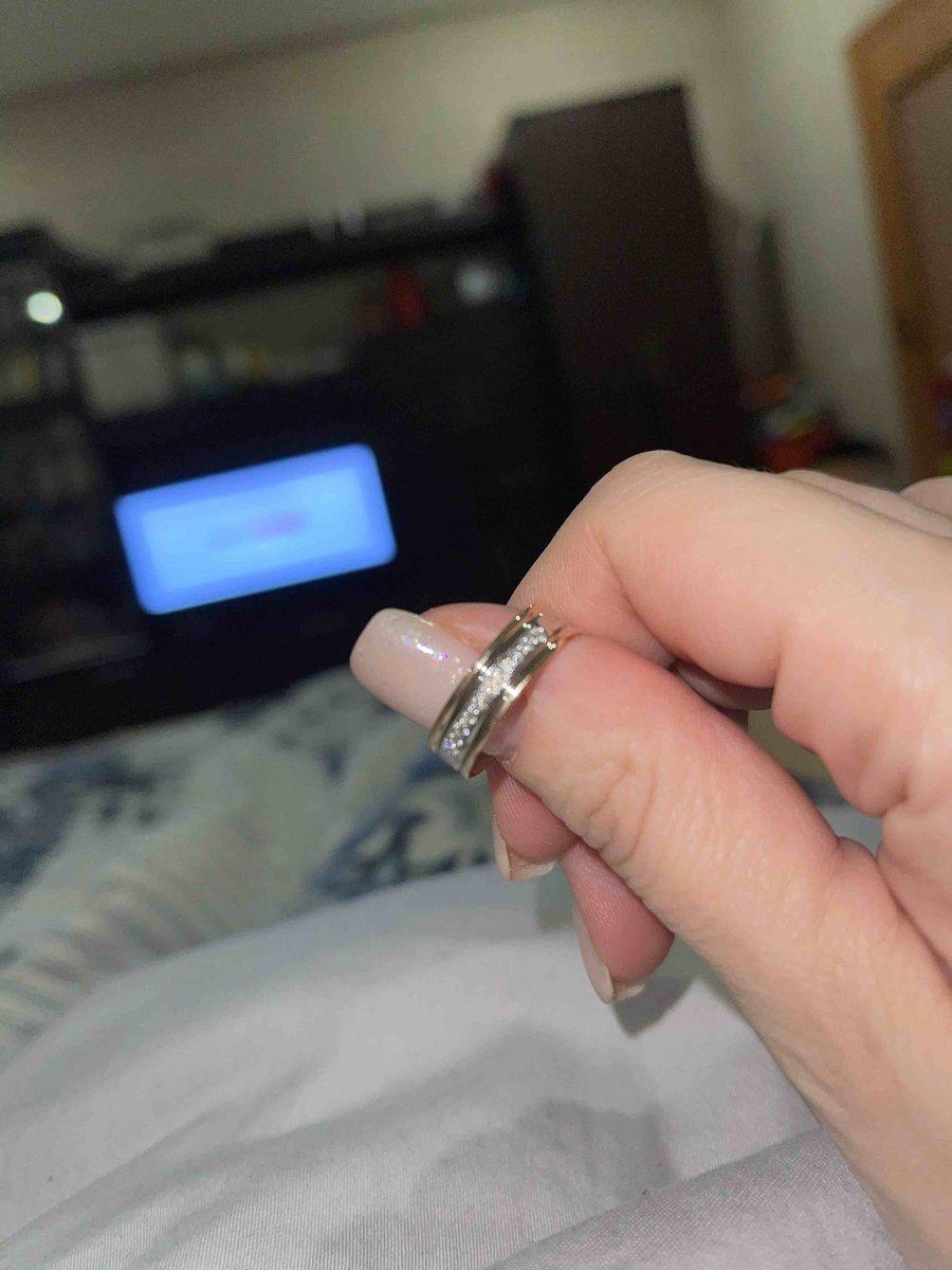 Кольцо с брилиантами!!