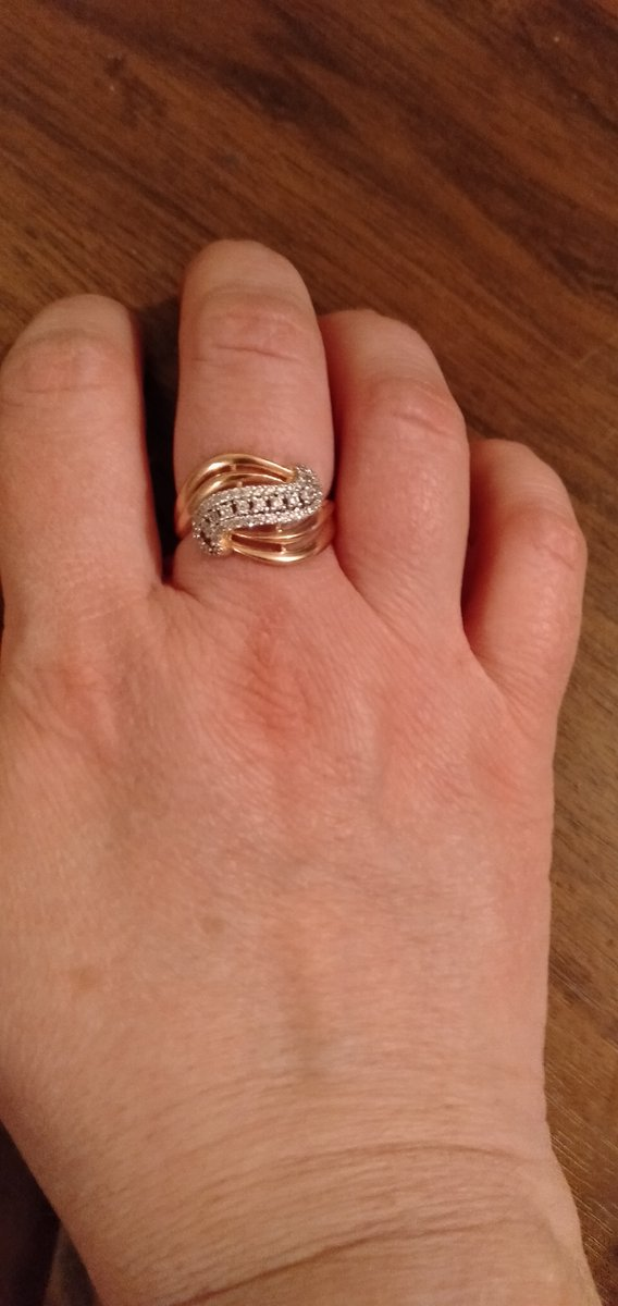 Кольцо очень красивое