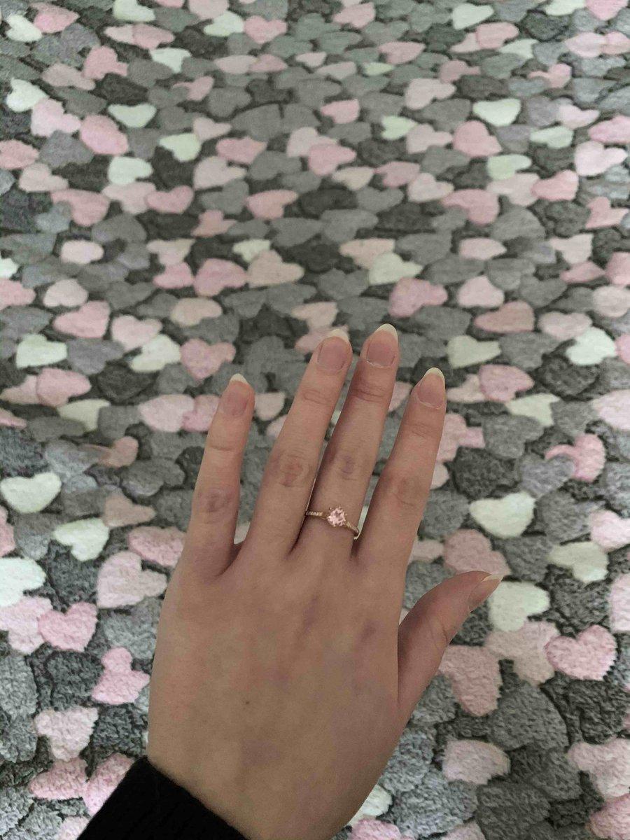 Красивое женственное кольцо