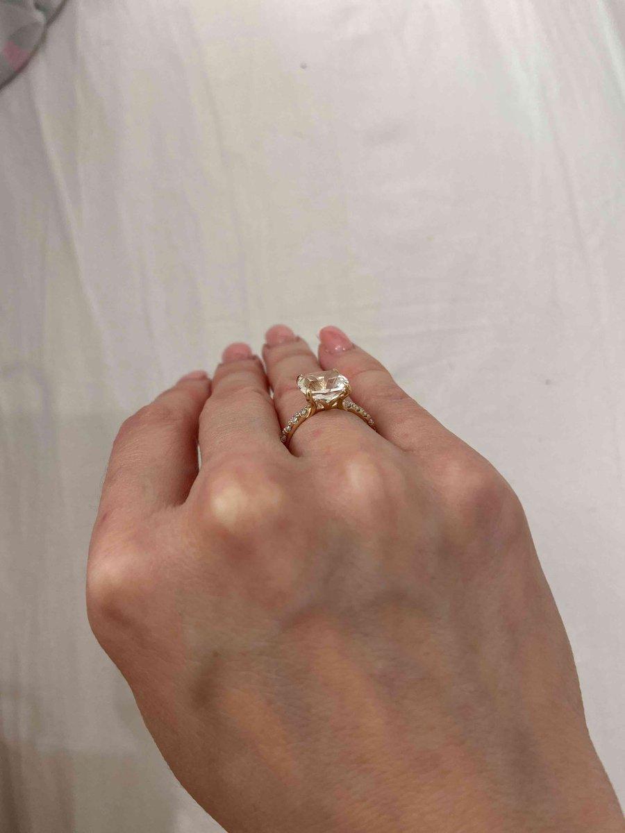 Кольцо с горным хоусталем и фианитами