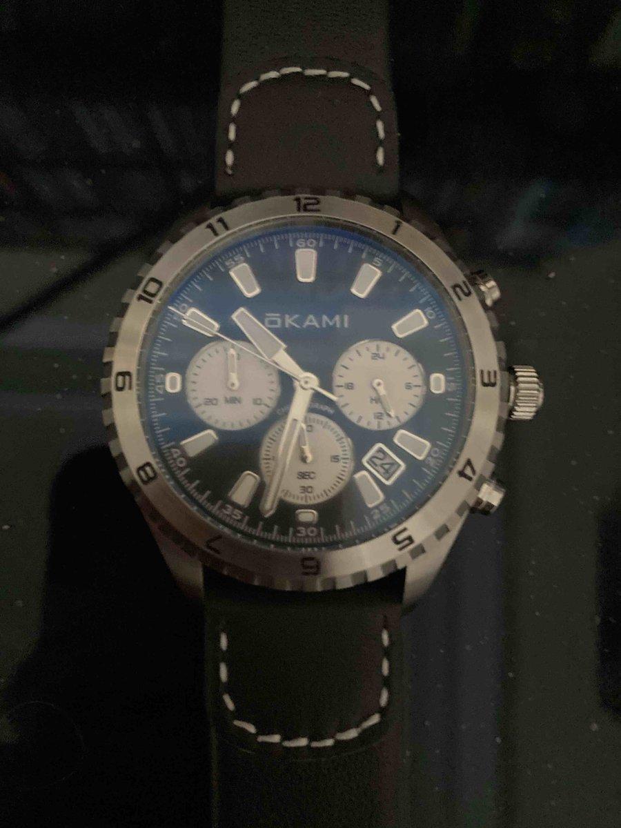 Солидные мужские часы