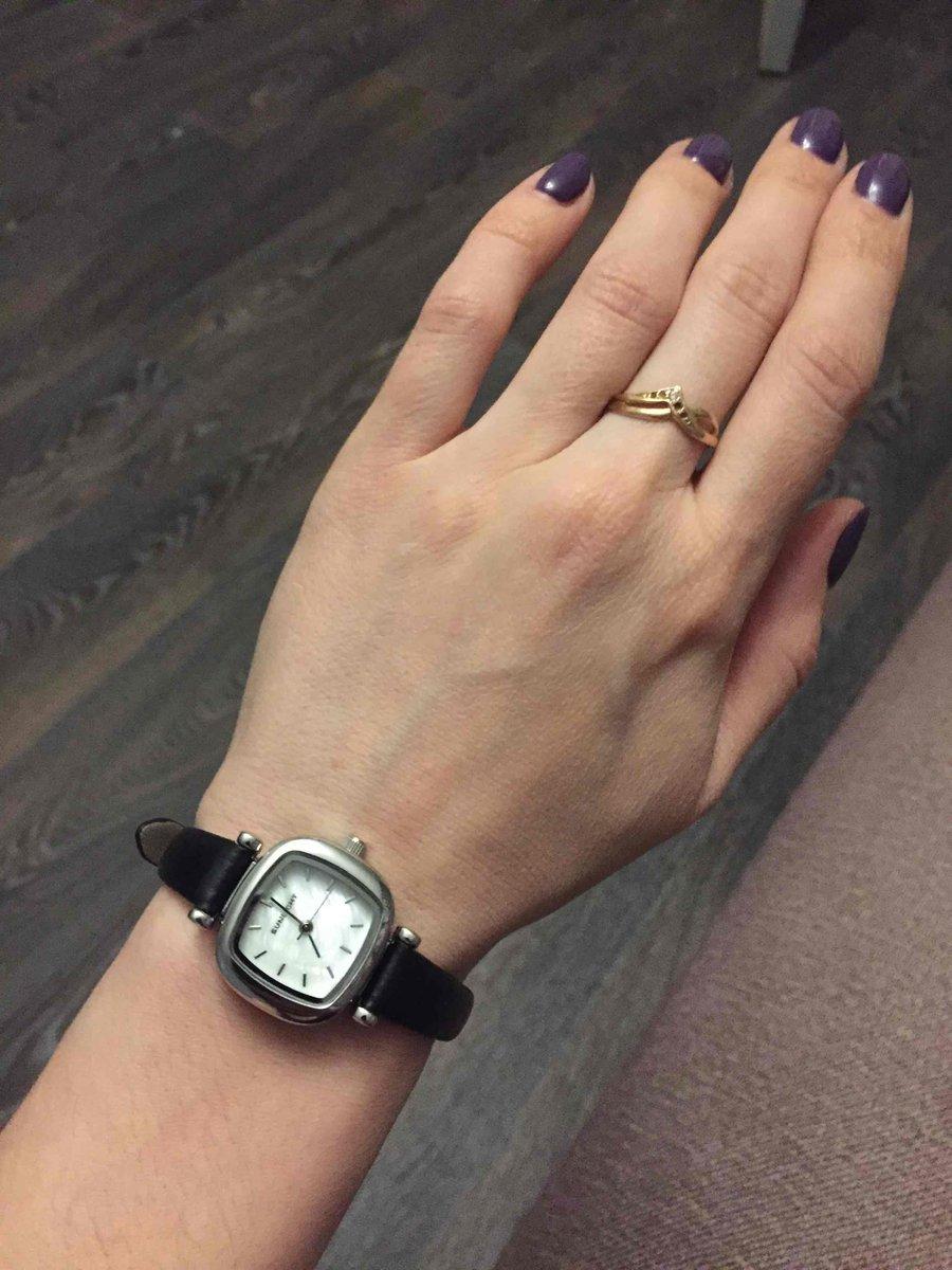 Аккуратные красивые часы