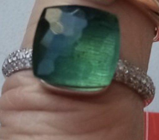 Вечернее кольцо с камнем хамелионом