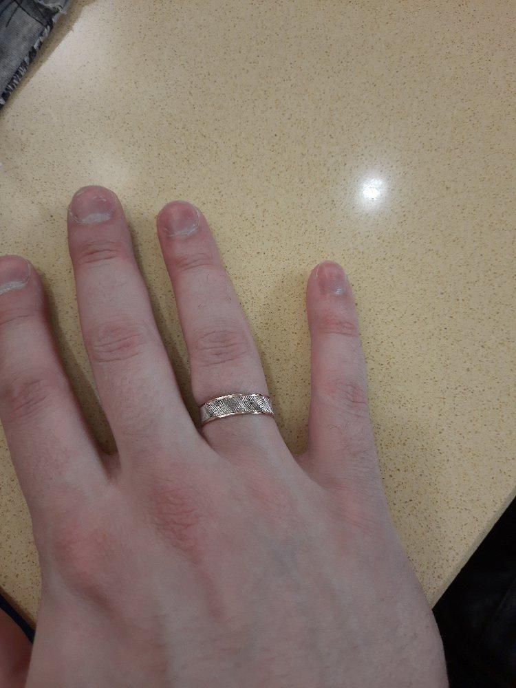 Отличное красивое кольцо.