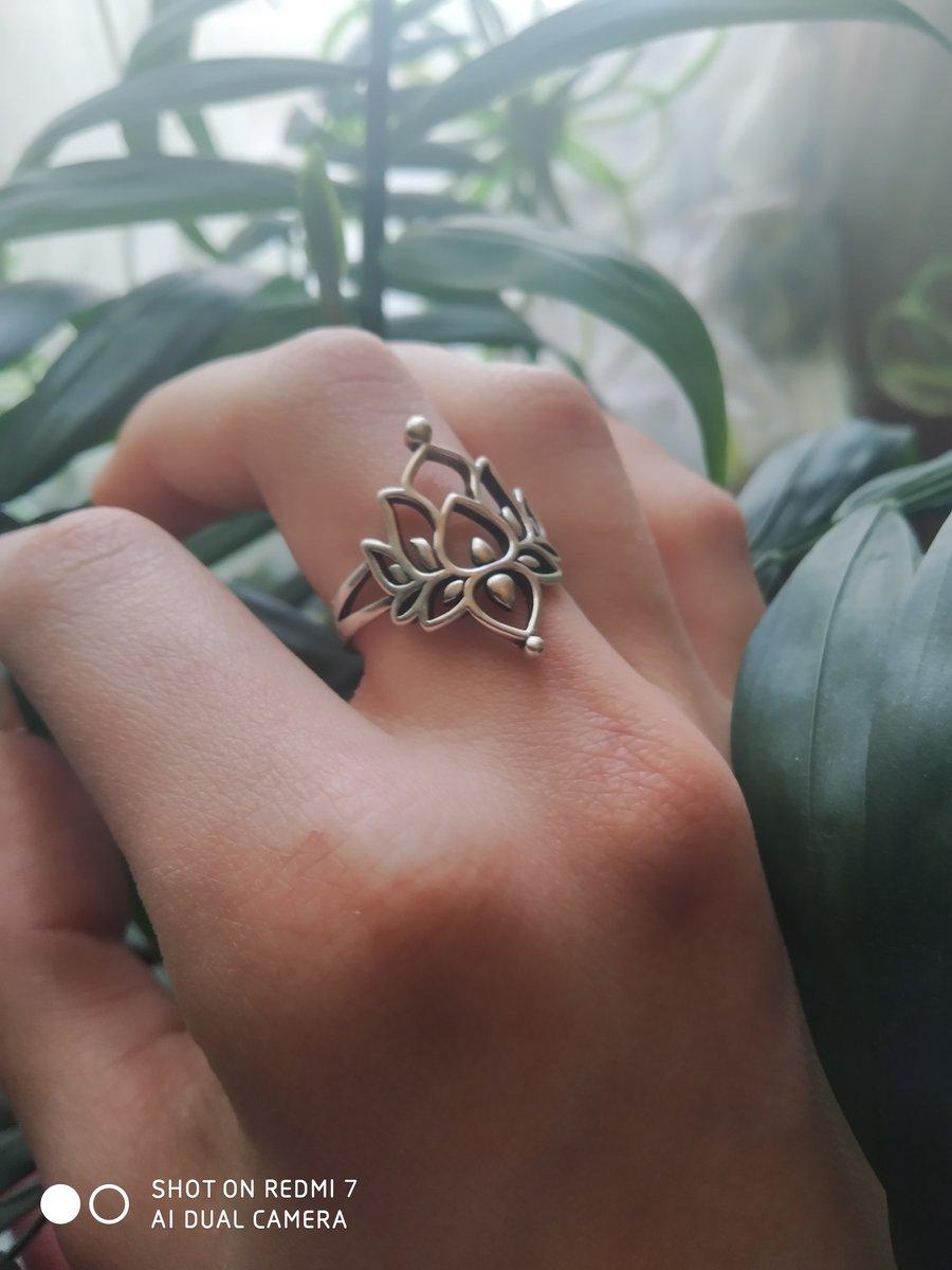 Кольцо лотос великолепно!