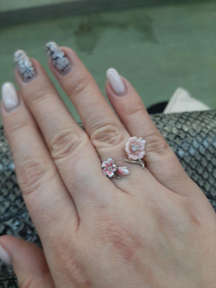 Кольцо цветущая сакура