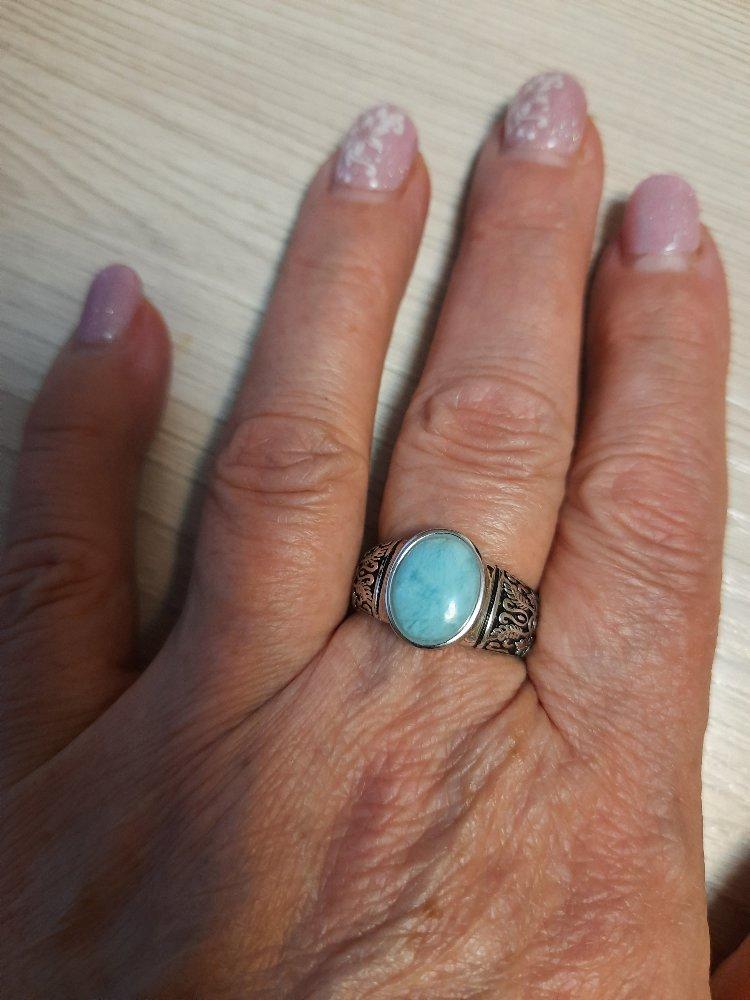 Перстень - кольцо с голубым камнем