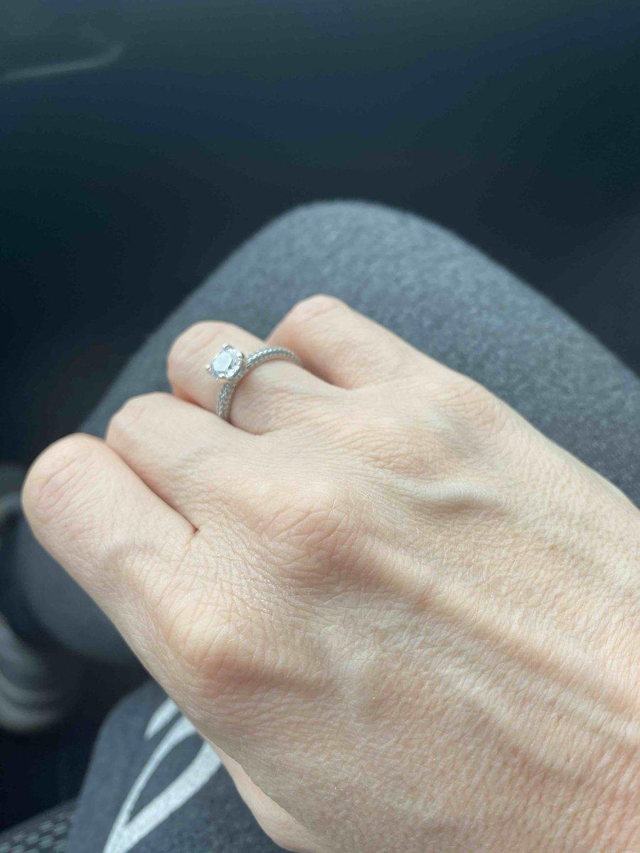 Супер кольцо! ношу и любюсь на него, всегда поднимат настроение!)