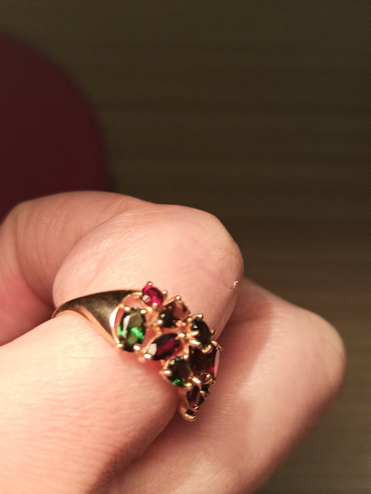 Кольцо с гранатами, раухтопазами