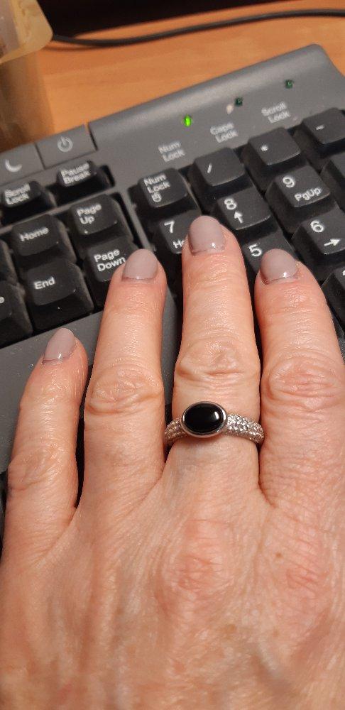 Классное кольцо с ониксом