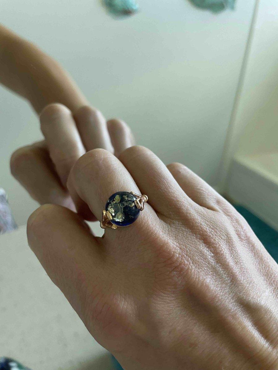 Кольцо с синим янтарем