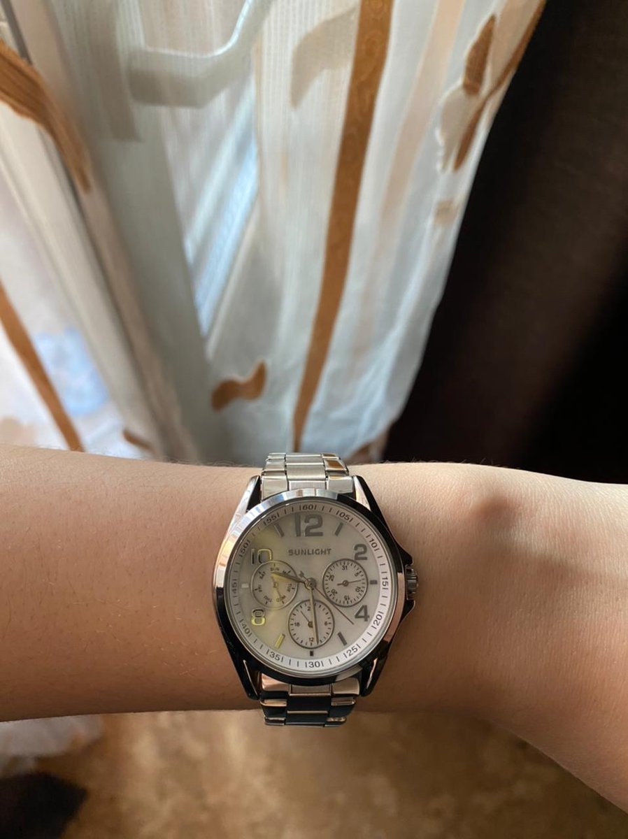 Отличные часы, сестре понравились