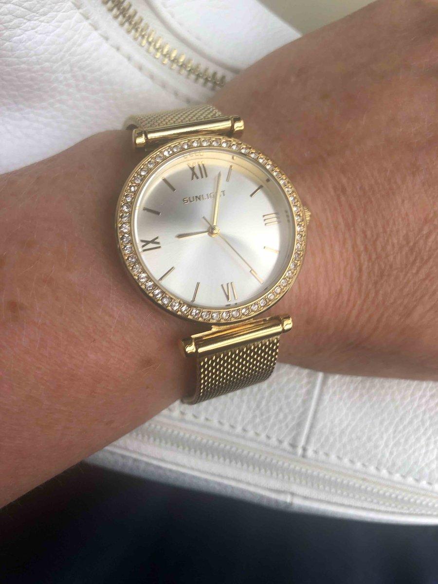 Часы крутые.