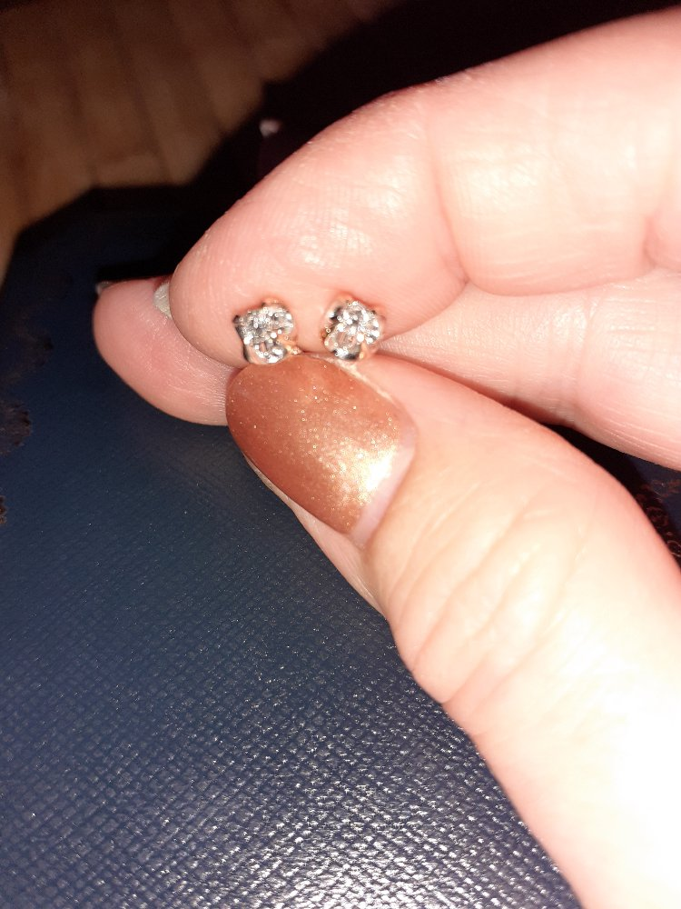 Серьги-пусеты с бриллиантами