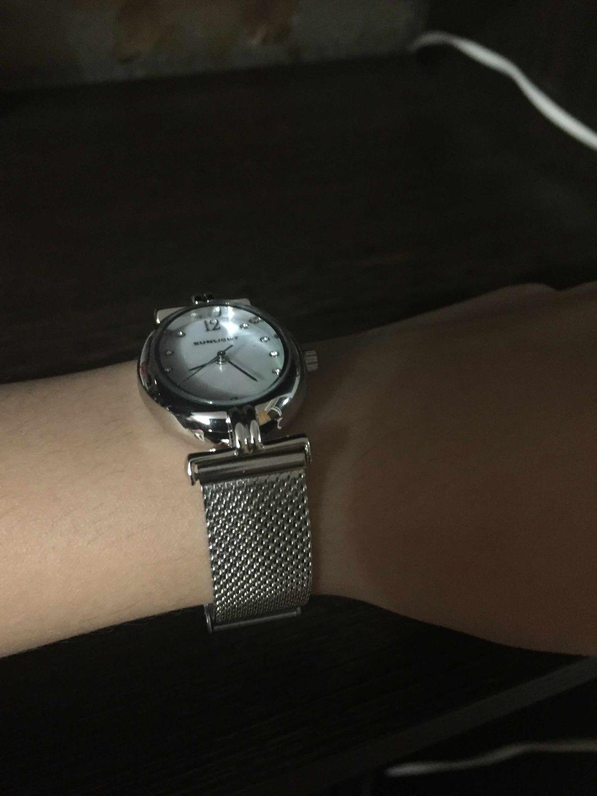 Купила часы. Очень долго искала на свою тоненькое запястье и нашла.