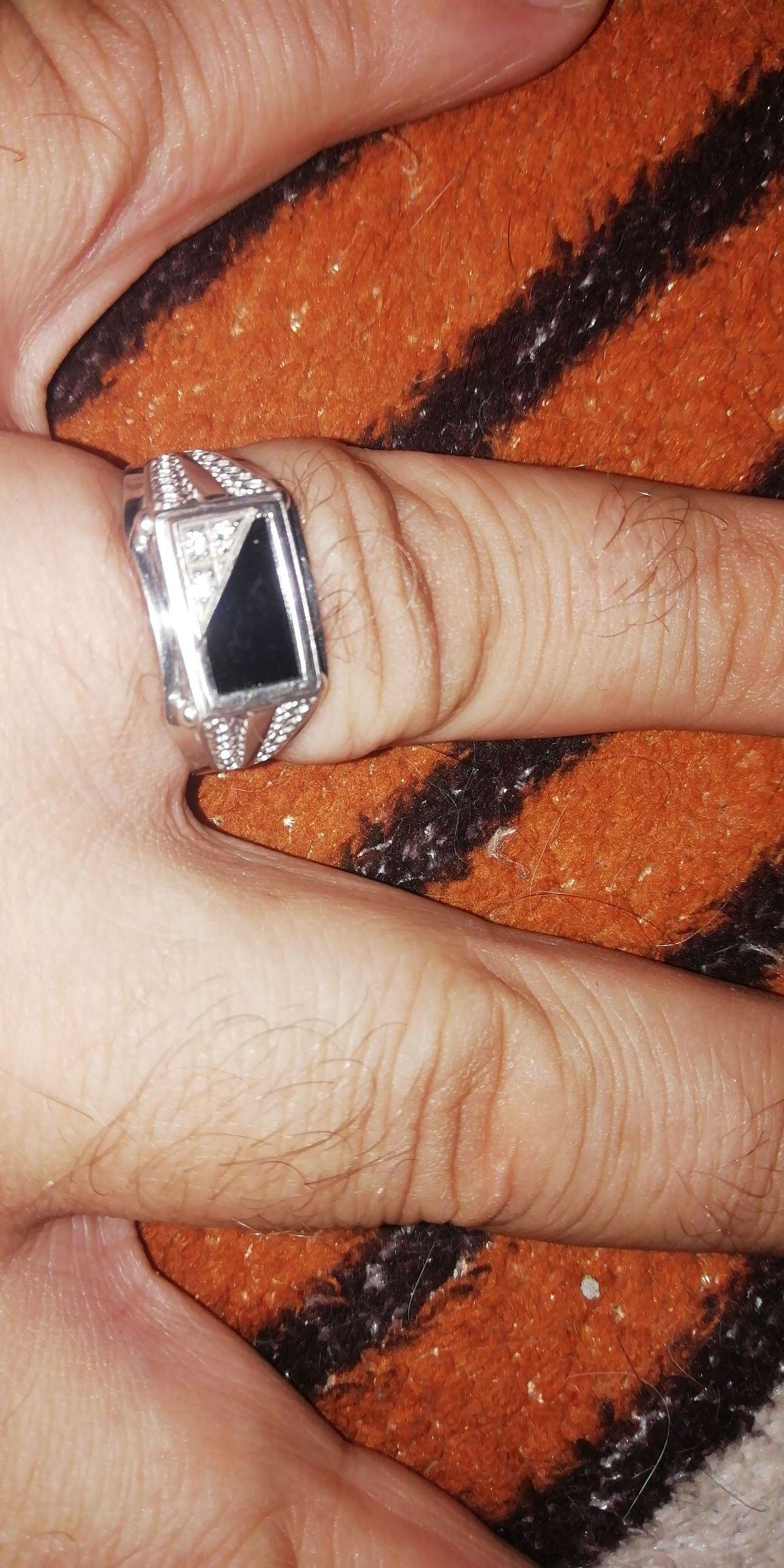 Крутой перстень.