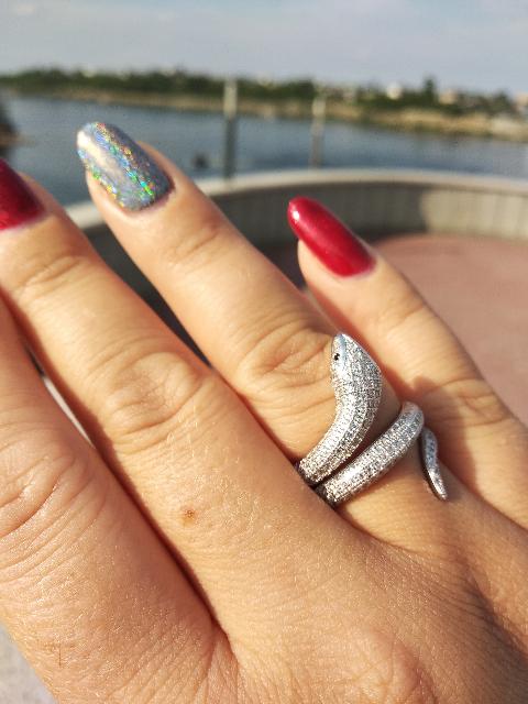 Чудесное и необычное кольцо.