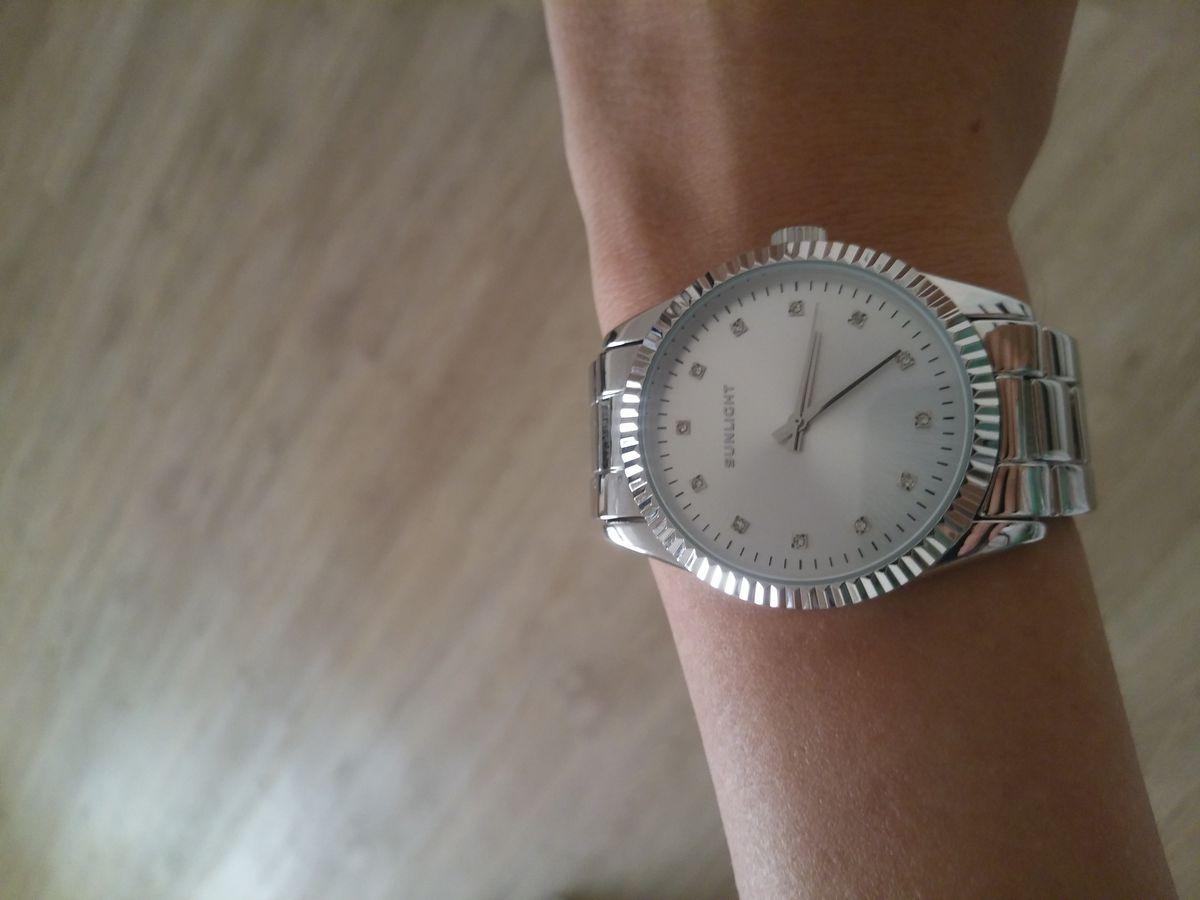 Замечательные наручные часы