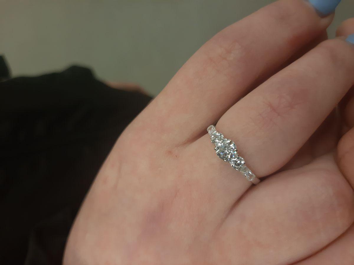 Кольцо для девушки.