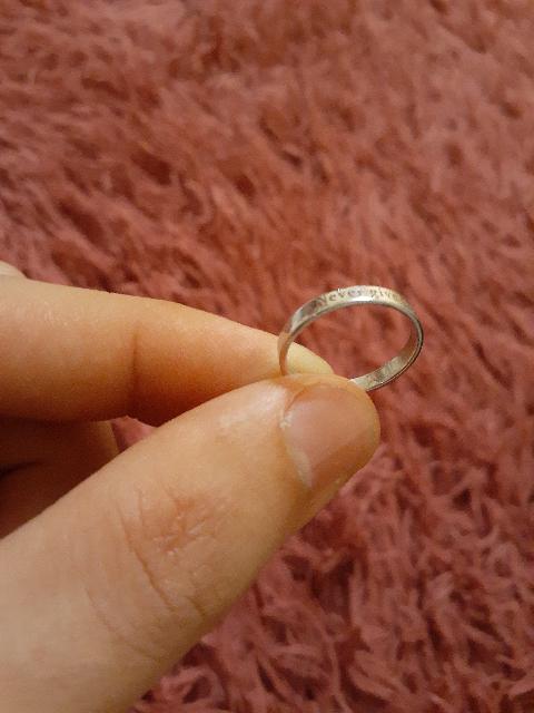 Очень аккуратное кольцо.